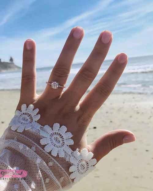 انگشتر نامزدی نگین دار زیبا و شیک