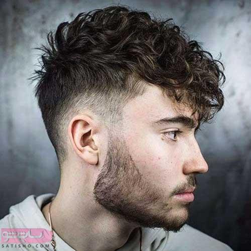 موی فر با صورت لاغر و ریش ساده