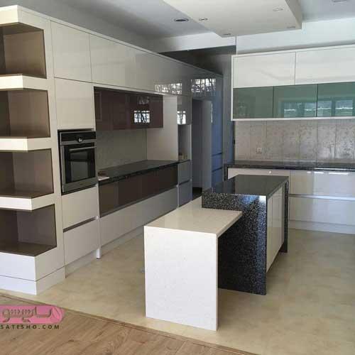 کابینت آشپزخانه هایگلاس سفید طلایی