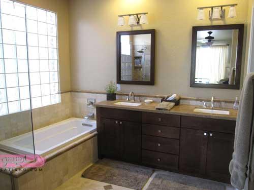مدل آینه دوتایی برای دسشویی و سرویس های بهداشتی