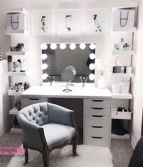 میز آرایش با آینه قدی