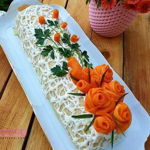 تزیین سالاد اولویه به شکل ساندویچ