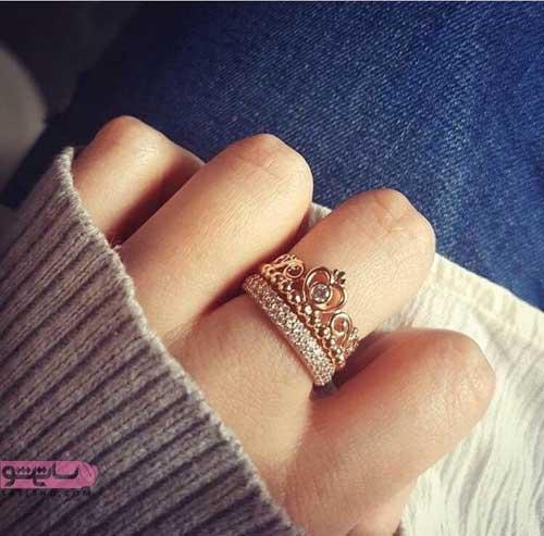 انگشتر زیبای طلایی به شکل تاج