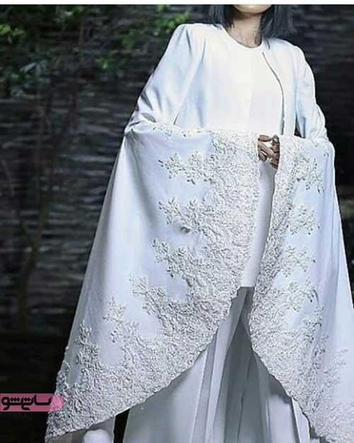 مدل مانتو بلند مجلسی سفید رنگ تمام کلوش با دوخت زیبا