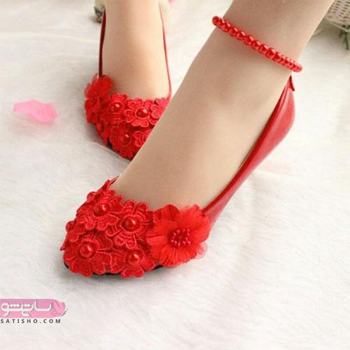 کفش بدون پاشنه قرمز زنگ گلدار مجلسی