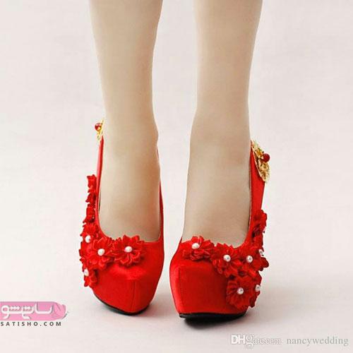 کفش پاشنه یکسره گلدار قرمز رنگ لاکچری