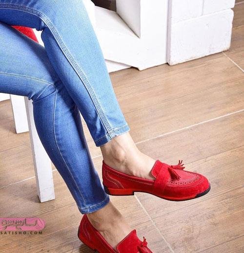 نمونه کفش تخت و اسپرت قرمز رنگ