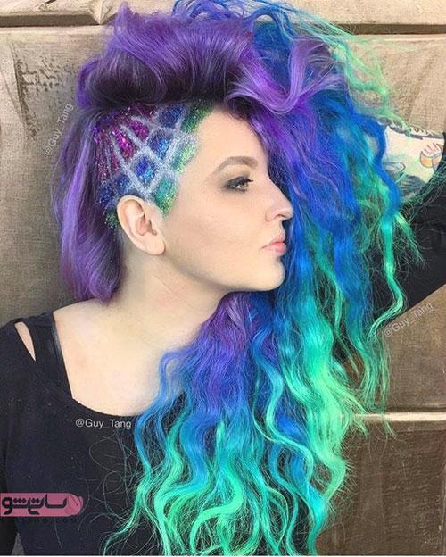 آندرکات موی بلند رنگارنگ در بالای گوش به سبک فشن