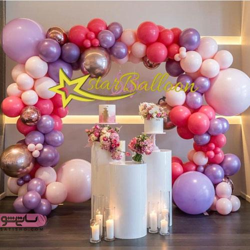 دکوراسیون رمانتیک اتاق تولد با بادکنک های رنگی