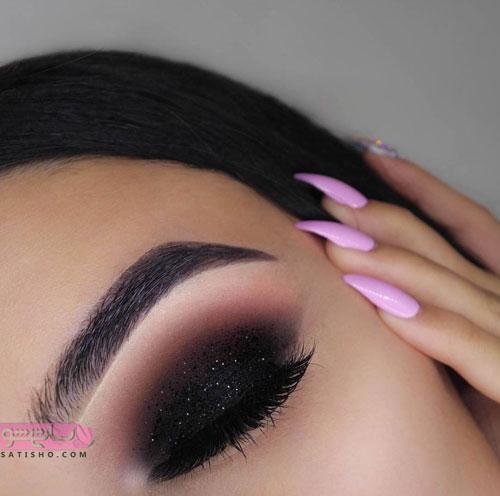 سایه چشم بسیار زیبا رنگ تیره
