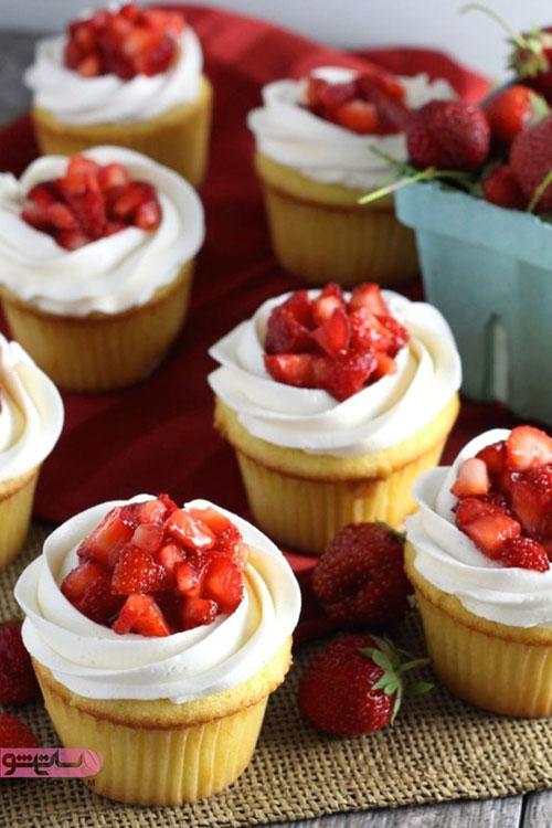 نمونه تزیین کاپ کیک با میوه
