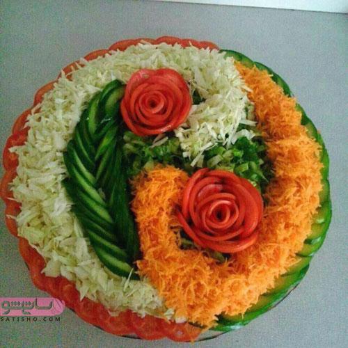 تزیین سالاد با گل هایی از گوجه