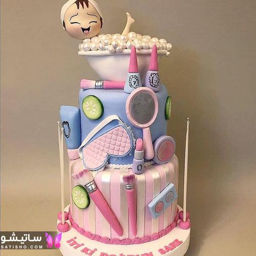 عکس کیک تزیین شده به شکل لوازم آرایشی
