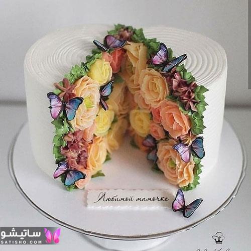 تزیین کیک تولد با تم پروانه و گل