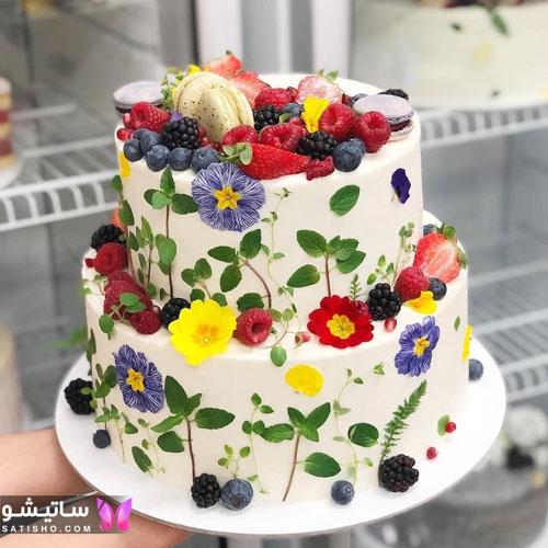 کیک تولد دوطبقه با تزیین زیبا