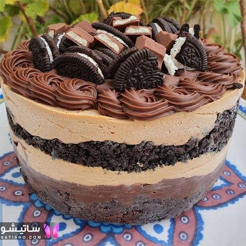تزیین کیک تولد شکلاتی با کارامل و ژله