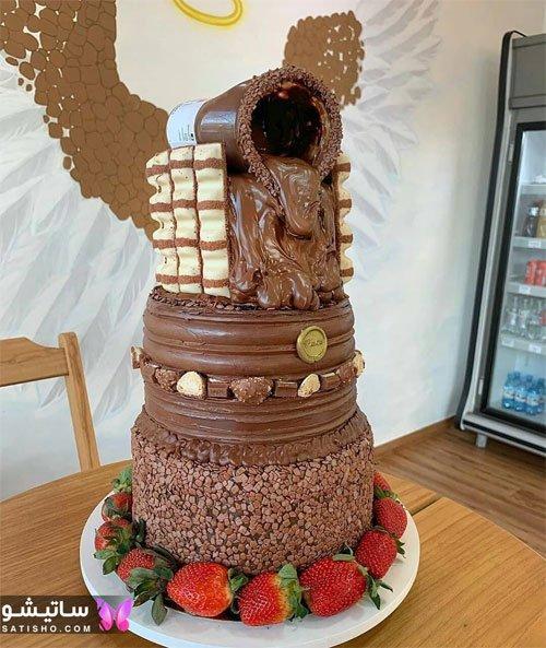 تزیین شیک کیک تولد با شکلات تلخ