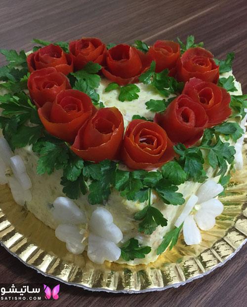 نمونه تزیینات سالاد الویه با گوجه و سبزیجات