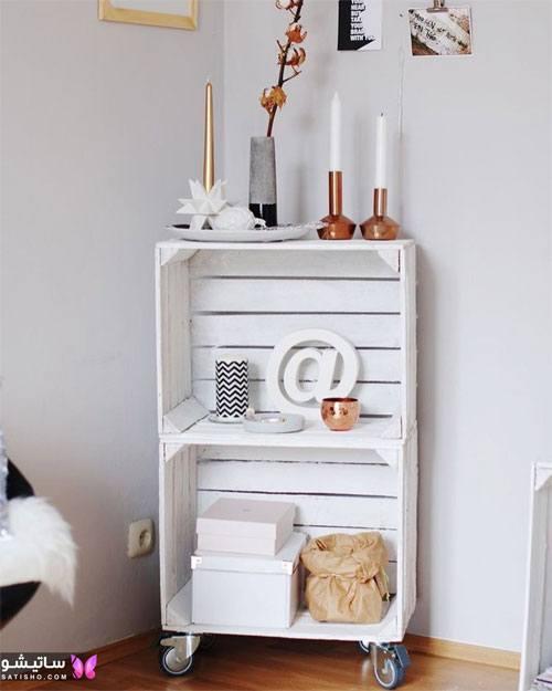 یک قفسه بسیار شیک سفید رنگ