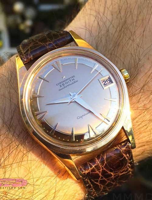 تصویر ساعت مچی مردانه روی دست