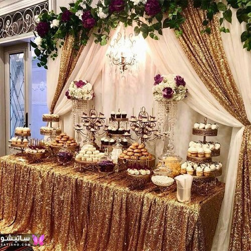 مدل دیزاین میز نامزدی با رنگ طلایی