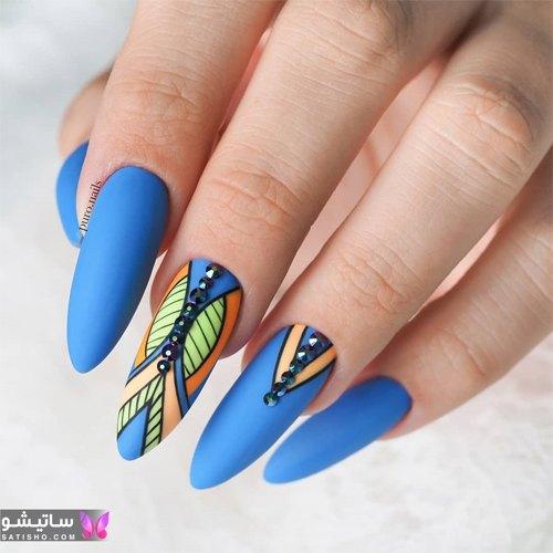 ناخن رنگ آبی کاربنی طرح دخترانه